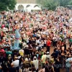 Miles de personas acompañan a la Virgen de Belén en la tradicional romería de regreso a Almansa