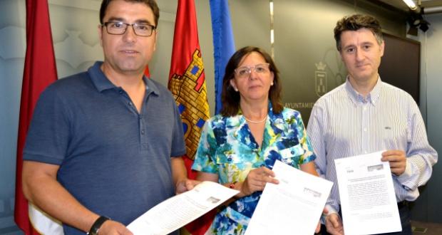 Foto Ganemos, PSOE y concejal Pedro Soriano