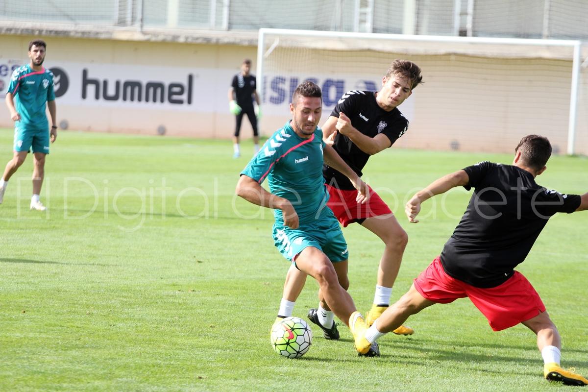 Partidillo entrenamiento_Ciudad Deportiva_PRETEMPORADA_2015_noticias_albacete (23)