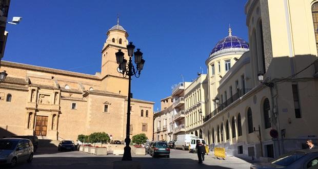 Plaza de la Iglesia de Hellín (Albacete)