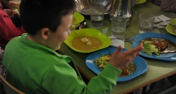 exigirá a las empresas que gestionan los comedores escolares que ofrezcan este servicio también en verano