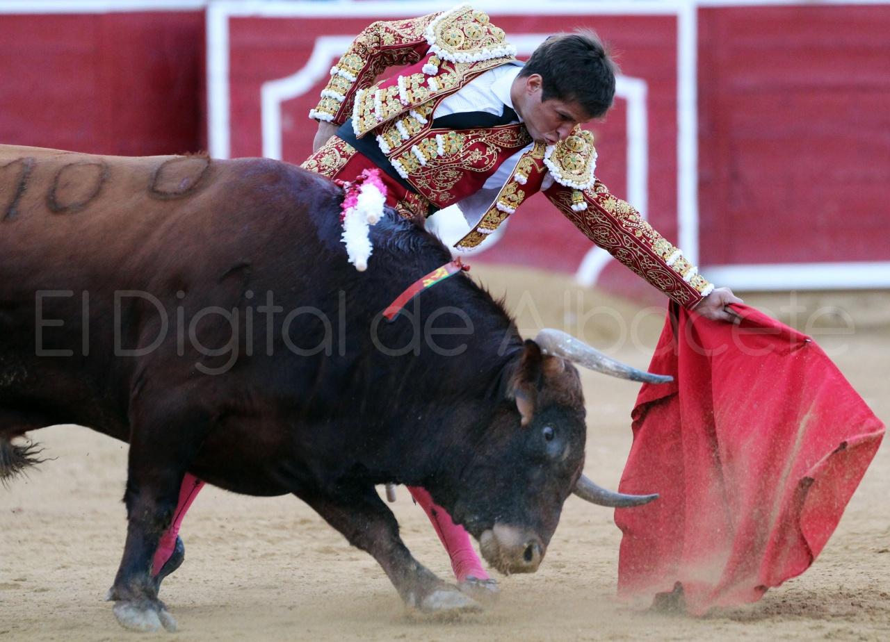 El Juli Lopez Simon y Garrido Feria Albacete 2015 toros  100