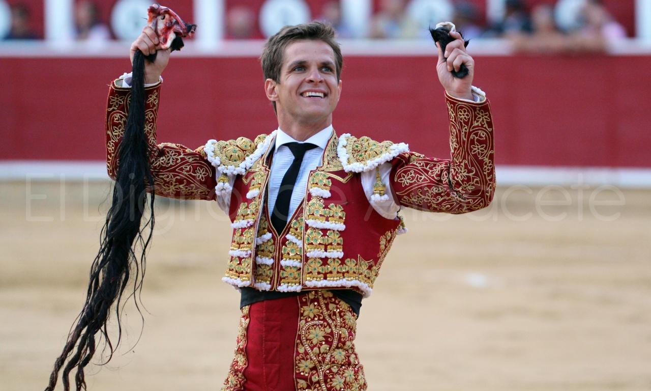El Juli Lopez Simon y Garrido Feria Albacete 2015 toros  113