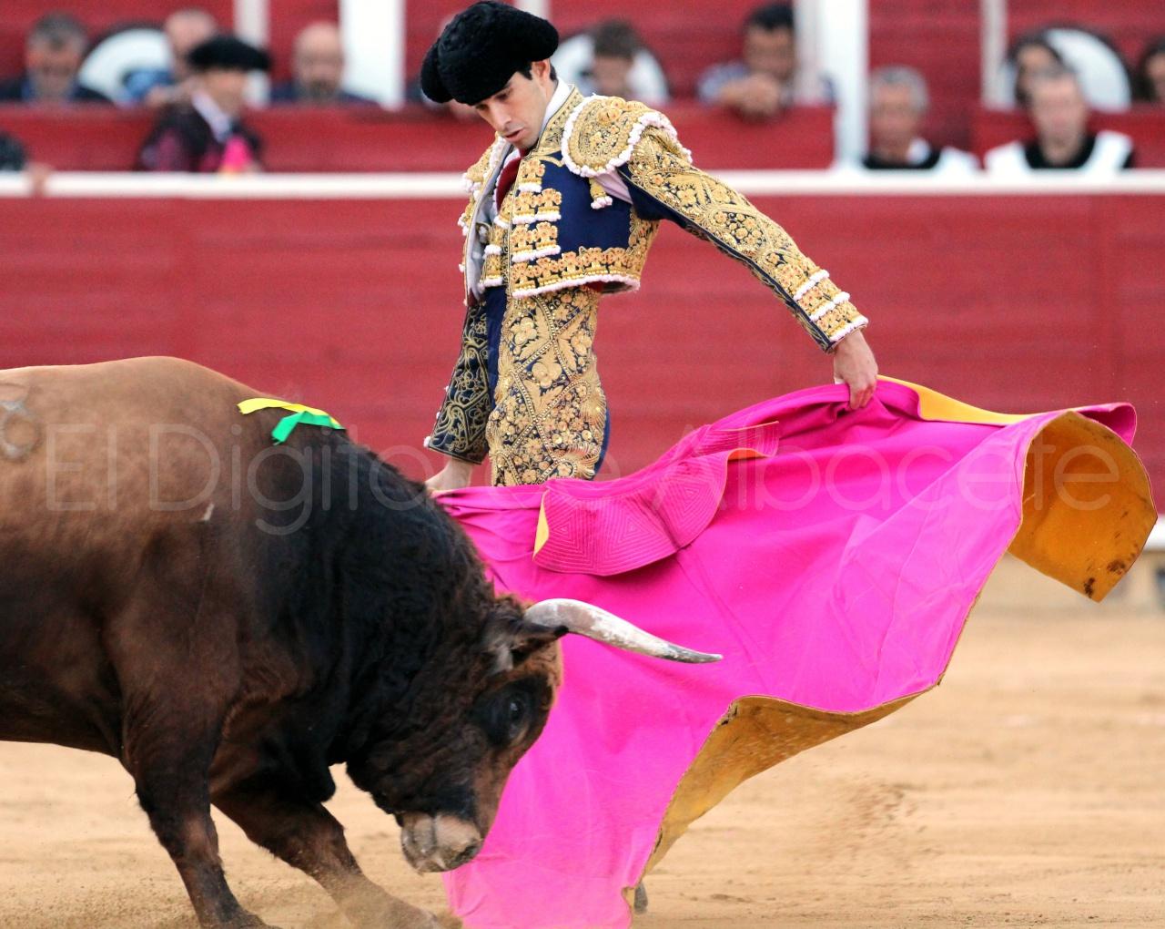 El Juli Lopez Simon y Garrido Feria Albacete 2015 toros  116