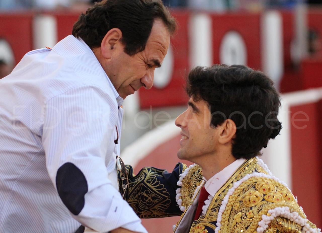 El Juli Lopez Simon y Garrido Feria Albacete 2015 toros  121