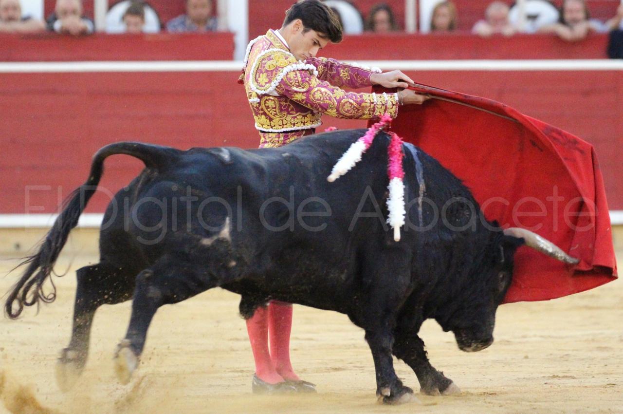 El Juli Lopez Simon y Garrido Feria Albacete 2015 toros  124