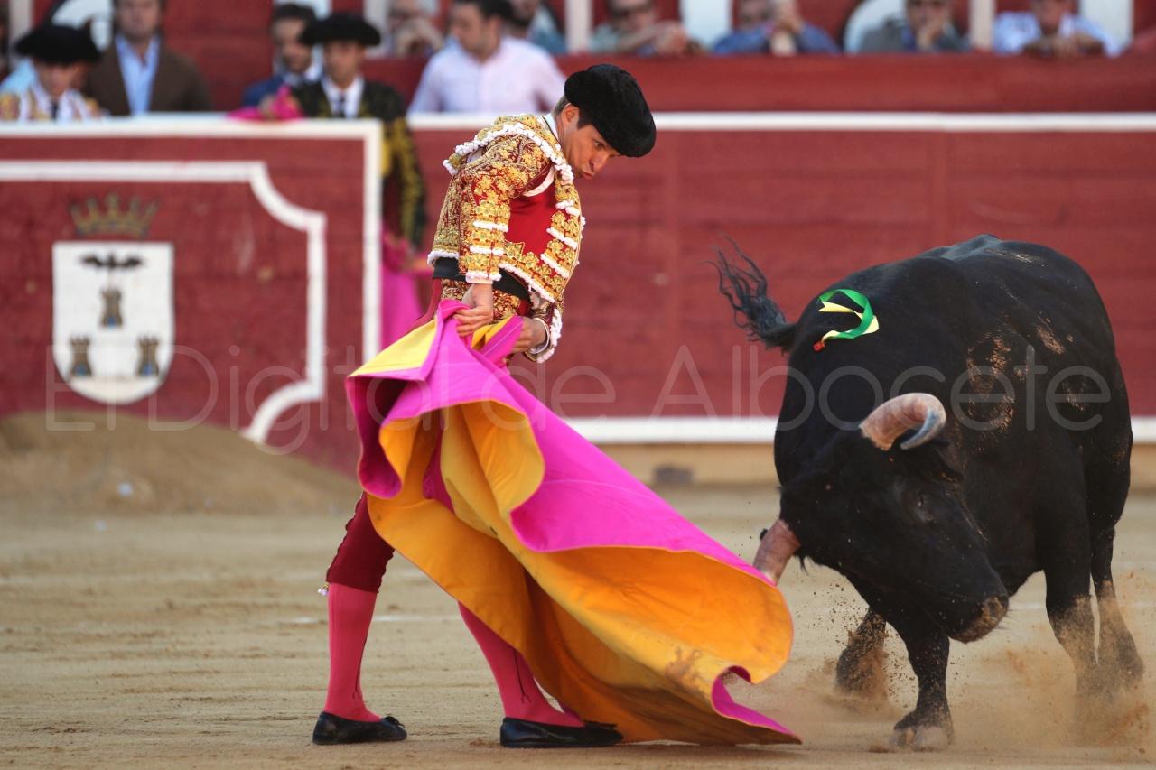 El Juli Lopez Simon y Garrido Feria Albacete 2015 toros  16