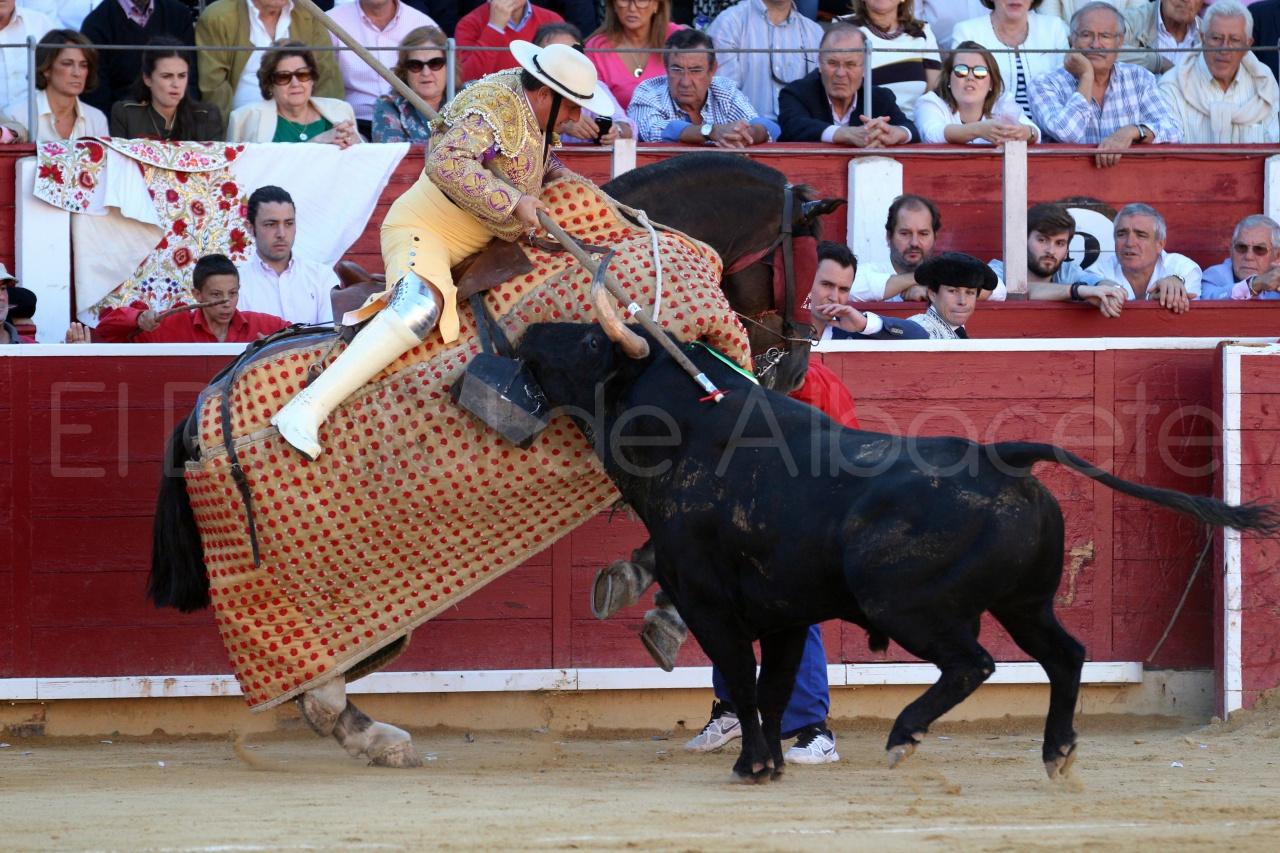 El Juli Lopez Simon y Garrido Feria Albacete 2015 toros  17