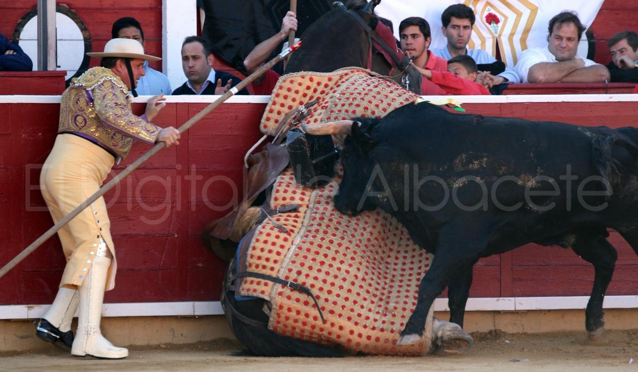 El Juli Lopez Simon y Garrido Feria Albacete 2015 toros  18