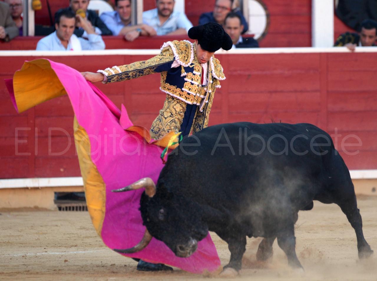 El Juli Lopez Simon y Garrido Feria Albacete 2015 toros  27