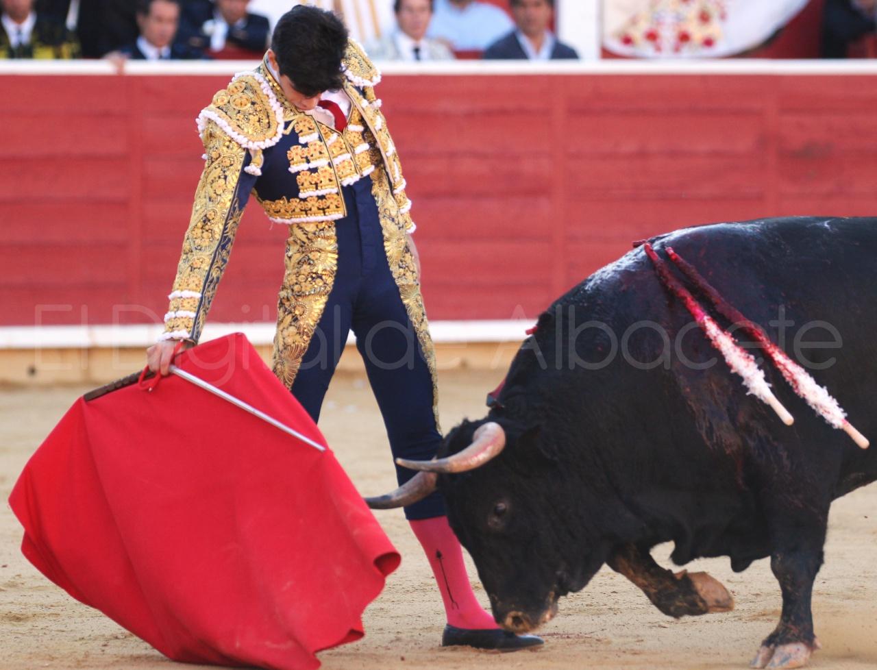 El Juli Lopez Simon y Garrido Feria Albacete 2015 toros  33
