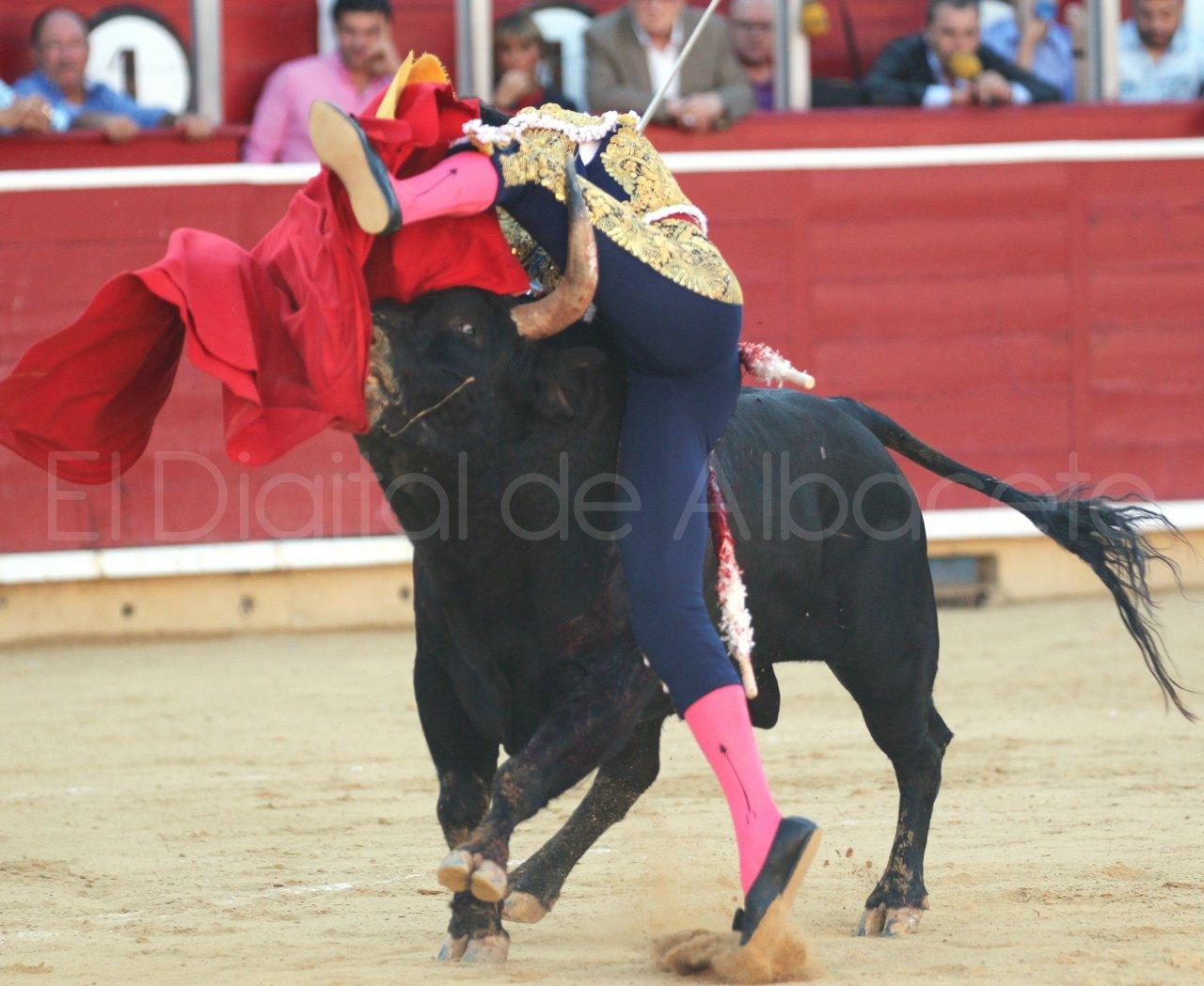 El Juli Lopez Simon y Garrido Feria Albacete 2015 toros  40