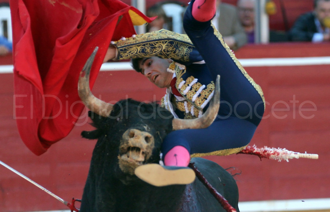 El Juli Lopez Simon y Garrido Feria Albacete 2015 toros  41