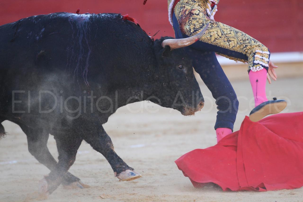 El Juli Lopez Simon y Garrido Feria Albacete 2015 toros  42