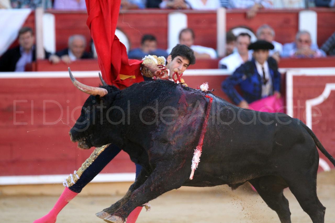 El Juli Lopez Simon y Garrido Feria Albacete 2015 toros  46