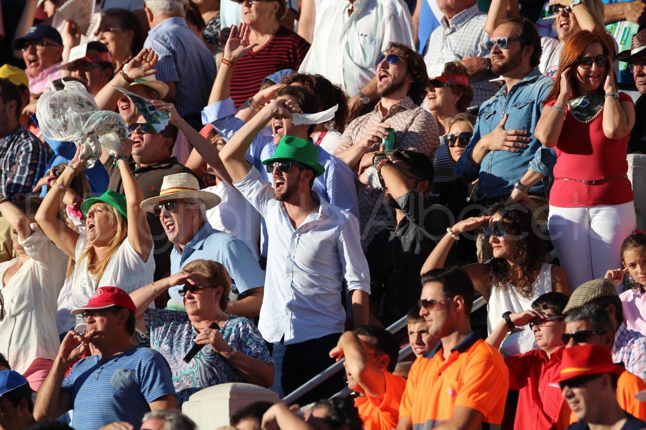 El Juli Lopez Simon y Garrido Feria Albacete 2015 toros  51
