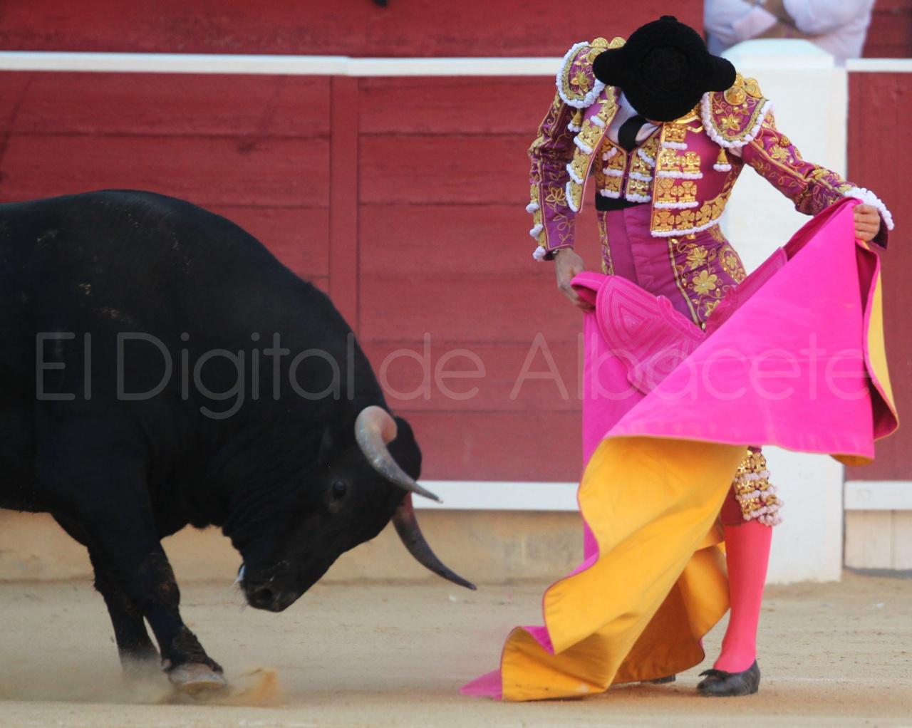 El Juli Lopez Simon y Garrido Feria Albacete 2015 toros  59