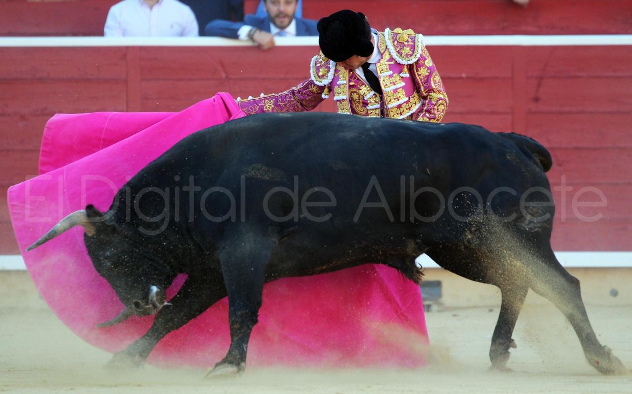 El Juli Lopez Simon y Garrido Feria Albacete 2015 toros  60