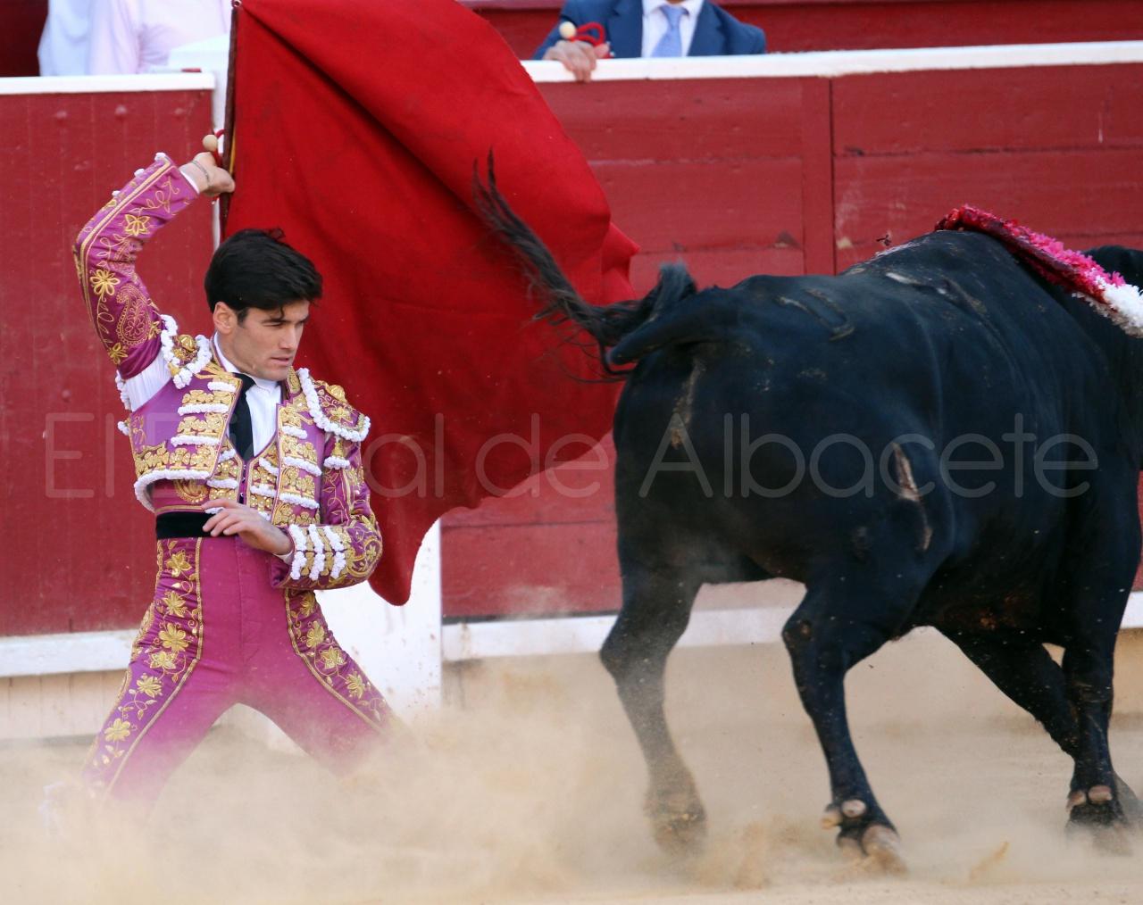 El Juli Lopez Simon y Garrido Feria Albacete 2015 toros  65