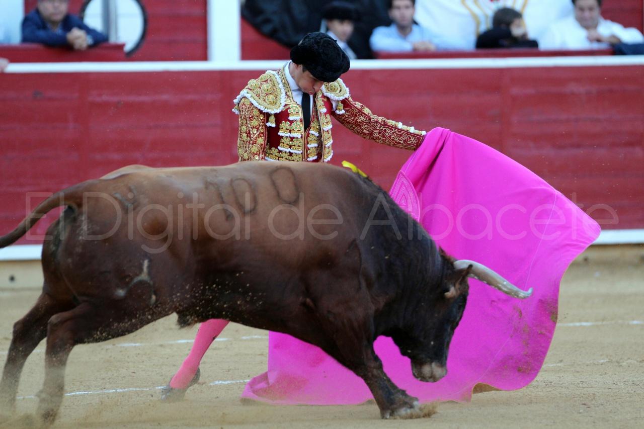 El Juli Lopez Simon y Garrido Feria Albacete 2015 toros  85