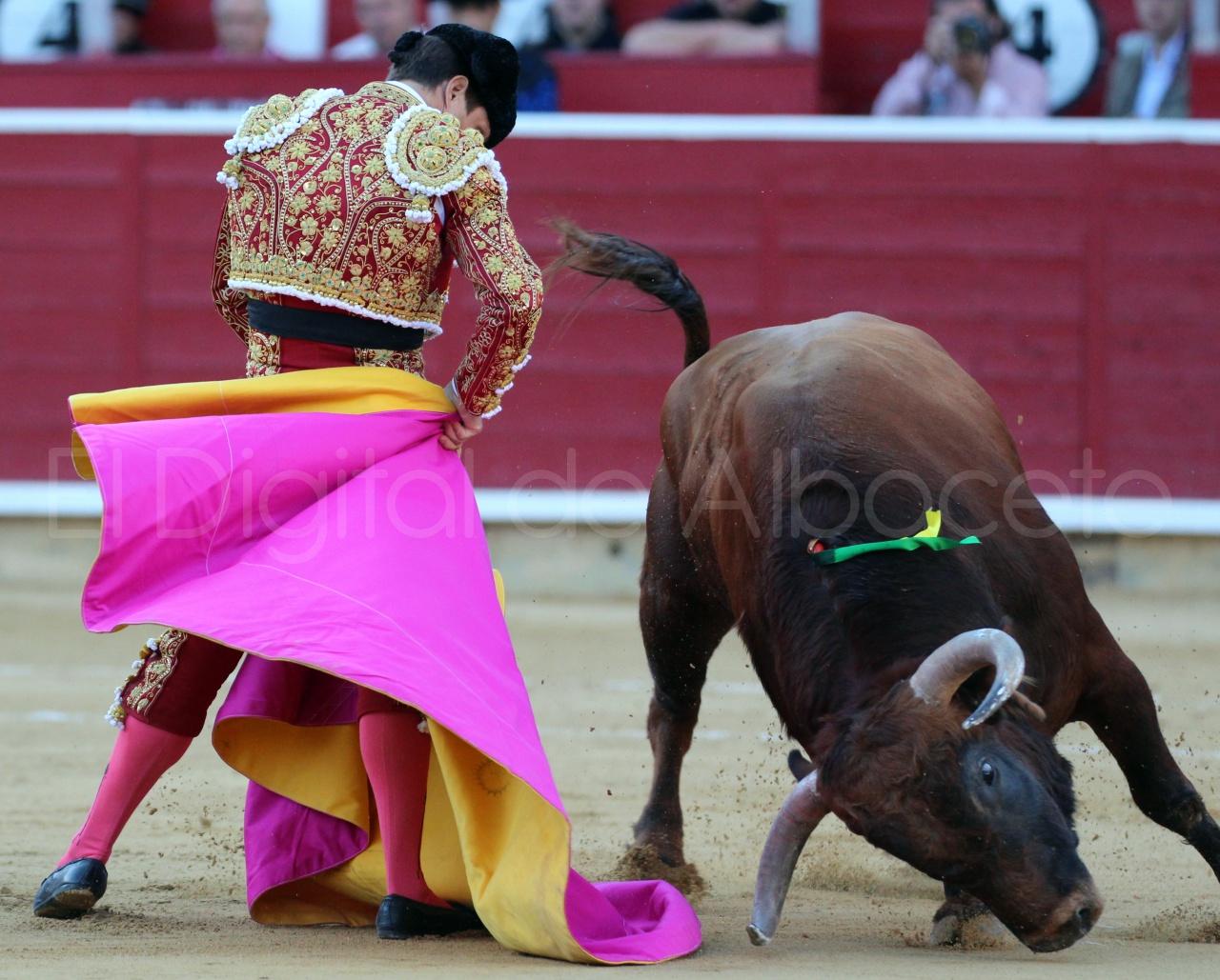El Juli Lopez Simon y Garrido Feria Albacete 2015 toros  86