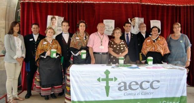 Foto.Cuestación AECC.10 9 15 1