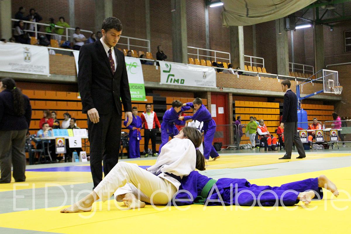 Albacete se llen de judo el digital de albacete for Oficina del consumidor albacete