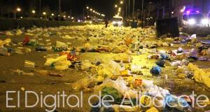 26_POLICIA_SUCIEDAD_LIMPIEZA_BOTELLON_MONA_NOTICIAS_ALBACETE