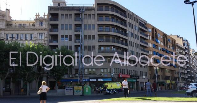 Bomberos acceden a un tico en albacete para atender a una persona de avanzada edad el digital - Aticos en albacete ...