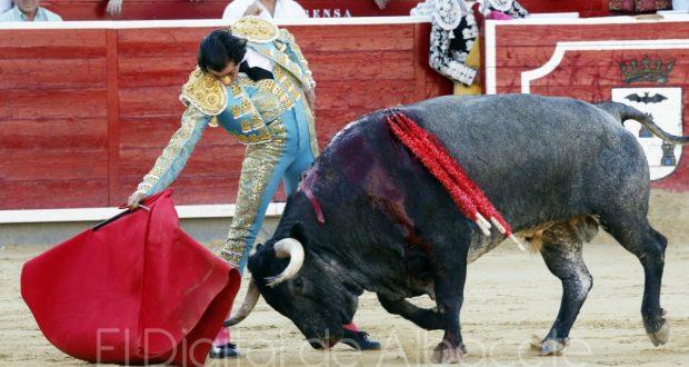 curro-diaz-bautista-y-serrano-toros-la-quinta-albacete-2016-15