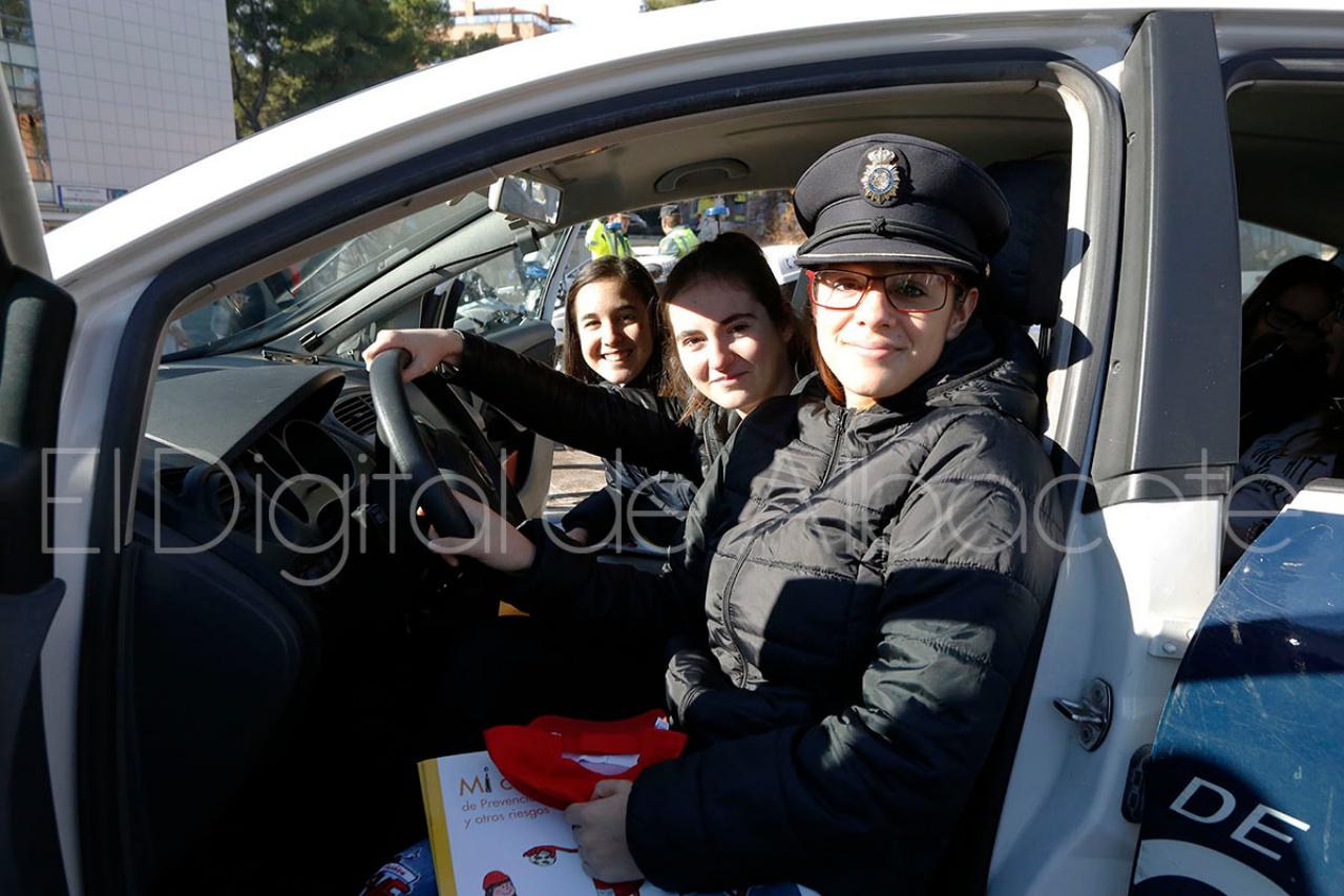 accion_sonrisas_entrega_juguetes_noticas_albacete-10