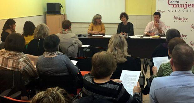 Foto. El Consejo Municipal de la Mujer de Albacete aprueba la relación de reconocidas con motivo del acto institucional del Día de la Mujer. 280217 (2)
