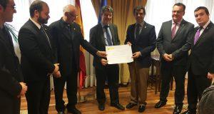 Foto.Reunión con el ministro de Energía, Turismo y Agenda Digital, Álvaro Nadal (1)-1