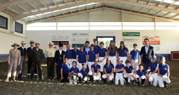 Foto.Presentación primer equipo de equitación de Albacete (2)