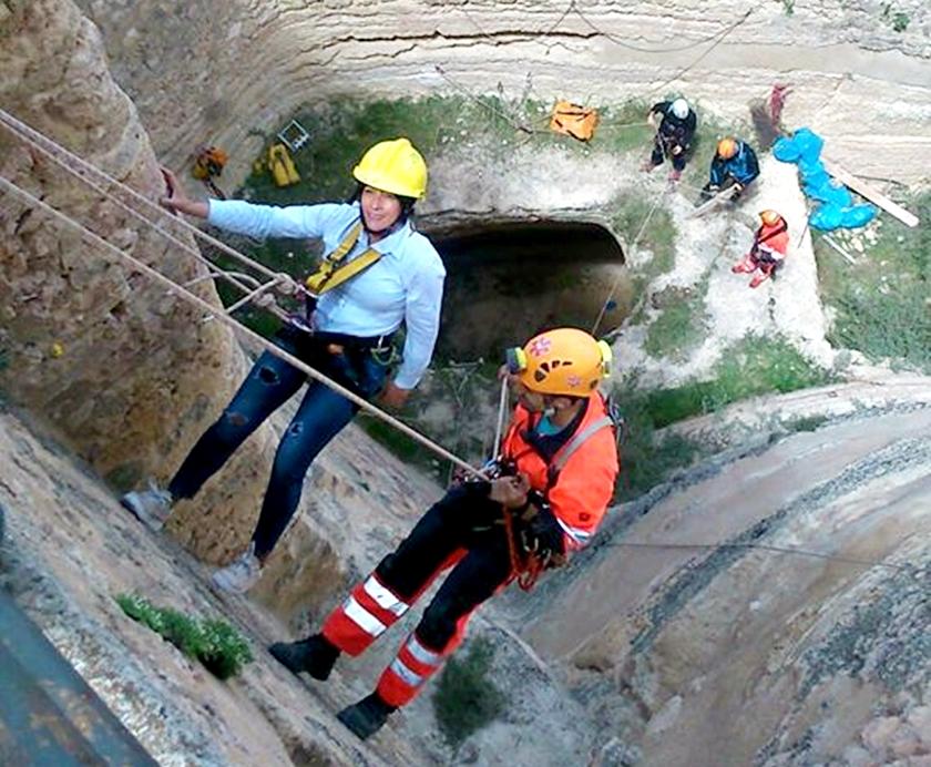 escalada rescate sescam foso montaña