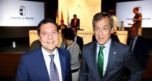 20170626 Presidente Caja Rural CLM junto a Page en Foro web