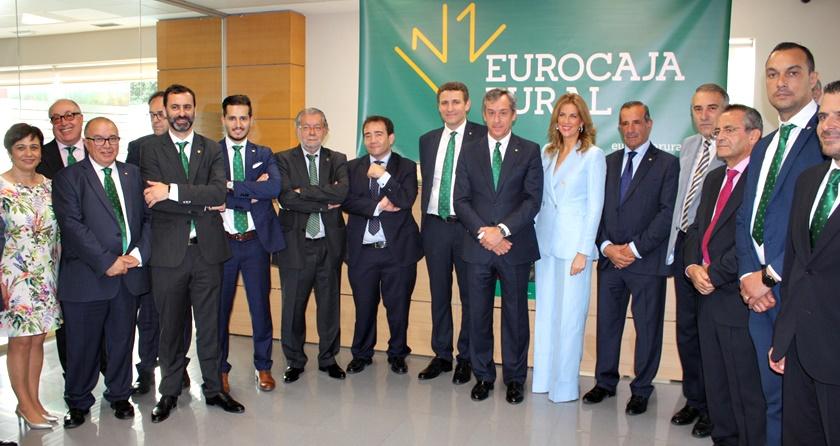 Eurocaja rural inaugura con xito su primera oficina en for Oficinas mapfre en valencia capital