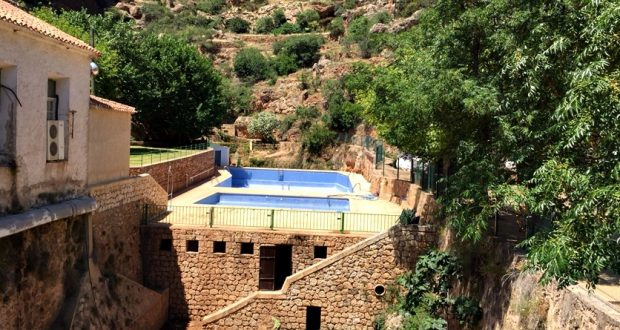 La piscina municipal de ayna todav a no ha abierto sus for Piscina municipal albacete