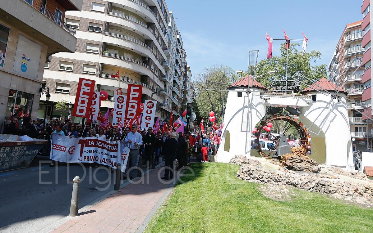 Y UGT piden a Sánchez que emprenda las reformas pendientes