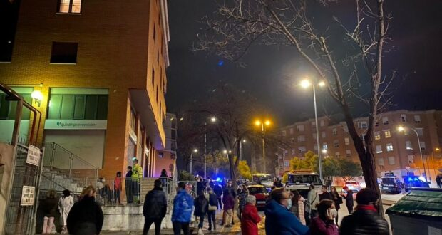 Un incendio en un vehículo del garaje ha obligado a desalojar todo un bloque de viviendas en pleno centro de Toledo, en la avenida de Francia AYUNTAMIENTO 17/12/2020