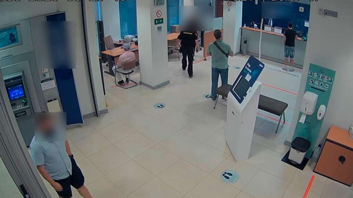 Un Guardia Civil fuera de servicio evita la sustracción de 170.000 euros en una entidad bancaria de Almansa