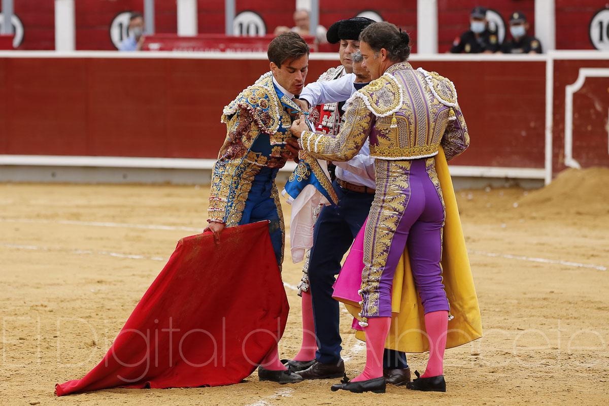 Rubén Pinar y Sergio Serrano triunfaron ante los Victorinos en la Plaza de Toros de Albacete